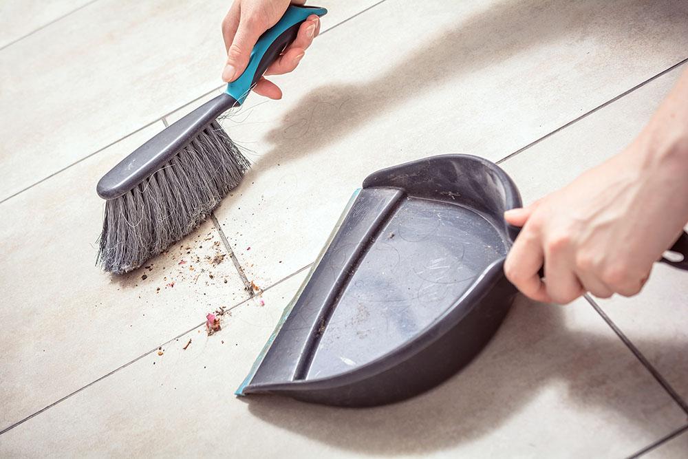 Builtin-vacuum-dustpan